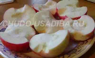 яблоки печеные с коньяком - рецепт